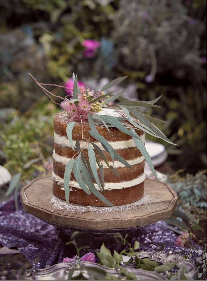 Native flower wedding cake