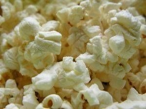 """Campfire Popcorn; 18"""" sq tinfoil, 2 tsp oil to 4 tsp popcorn"""