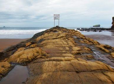 "Harga Tiket Masuk Pantai Watu Ulo Beach Jember ""Wisata Terbaik Jawa Timur"" - http://www.bengkelharga.com/harga-tiket-masuk-pantai-watu-ulo-beach-jember-wisata-terbaik-jawa-timur/"