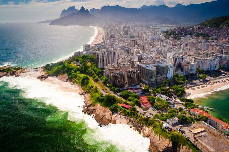 #Playas, un #ambiente festivo y, como no, ¡#samba ! Son algunas de las cosas que llaman  nuestra atención en la ciudad de #Río de Janeiro.  ¡No te lo puedes perder! #Vivesoy #Viajes #MeCuido #Turismo #Tendencias #Rincones #Brasil  #Ocio #Travel #Relax #Vistas