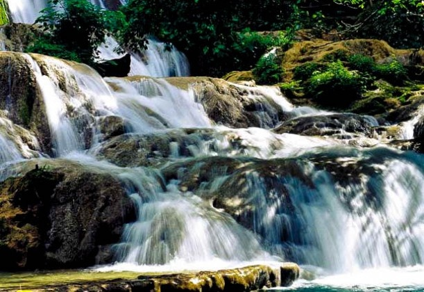 AIP Airport Transfers and Tour BookingsCascades Waterfall - Vanautu - Airport Transfers - Tour Bookings