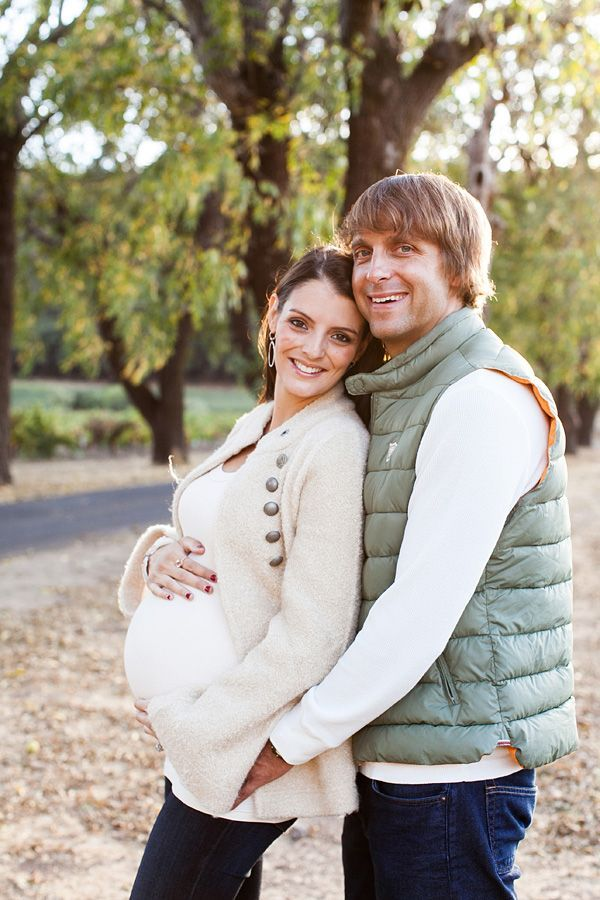Fall vineyard maternity session