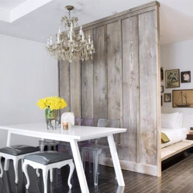 Rustic wall - pickled stain
