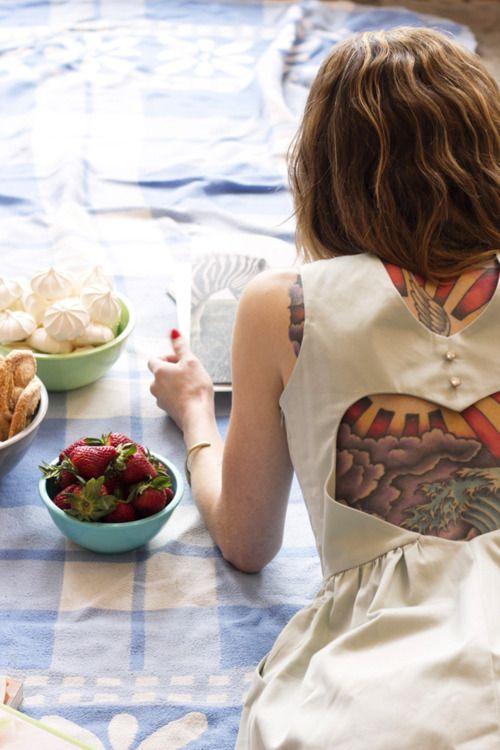 wow, soo cool: Backless Dresses, Myrtle Spring, Tattoo Shop, Back Tattoo, Body Art, Hip Tattoo, Tattoo Design, Tattoo Ink, Design Tattoo