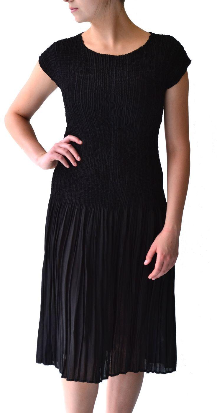 Black camric midi dress #Marden #pleat #black #dress #fashion