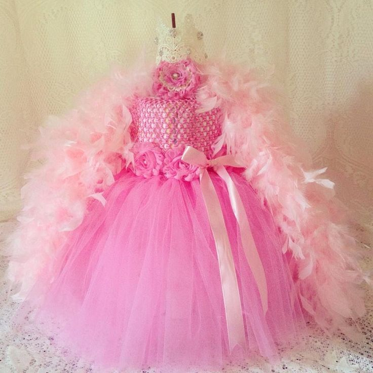 Project Share: Pink Fluffy Tutu Diaper Cake! ( I love what she did!!!)