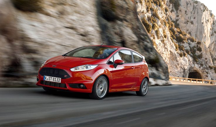 Foto Exteriores (2) Ford Fiesta-st Dos Volumenes 2013 - red - rojo