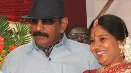 Mounika allowed to pay homage to Balu Mahendra