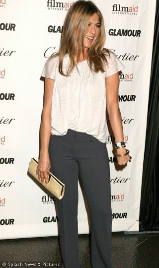 Perfect work outfit worn by the beautiful Jennifer Anniston