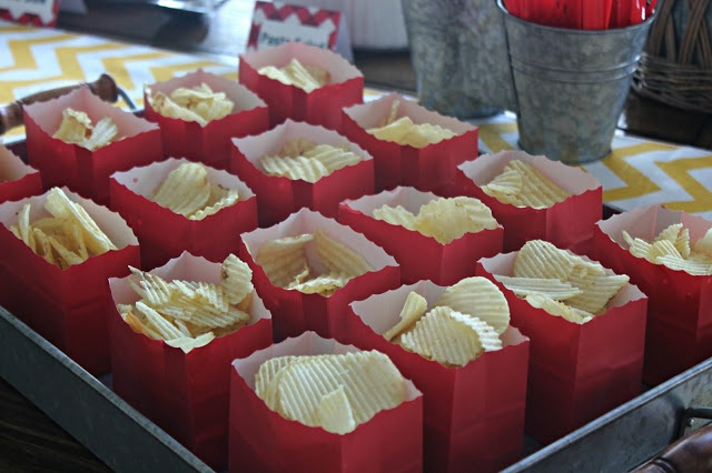 cute way to serve chips at a cookout. Use scalloped scissors to cut top off paper bag