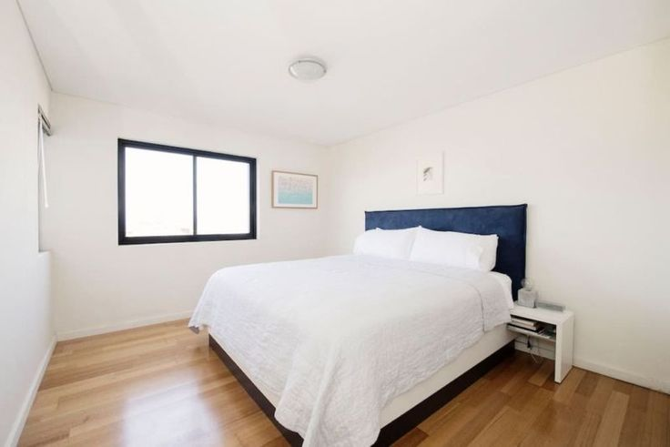 BoConcept Lugano King Size Bed | Beds | Gumtree Australia Eastern Suburbs - Bronte | 1138624443