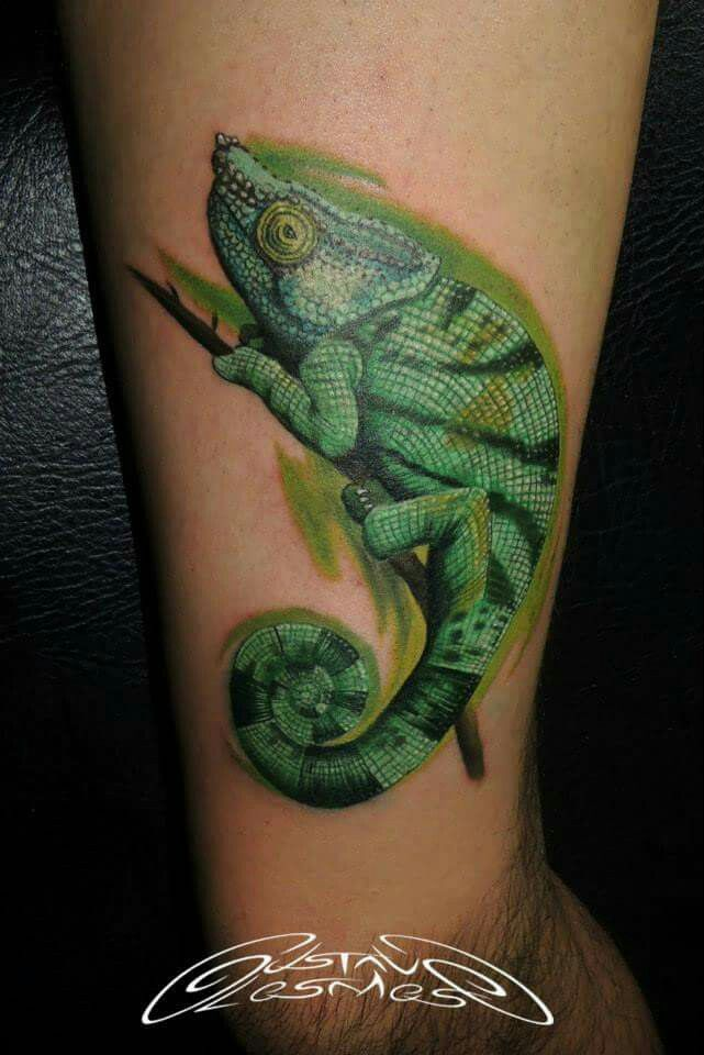 7130758ec87f2 20 Chameleon Foot Tattoos Ideas And Designs. Smiling ...