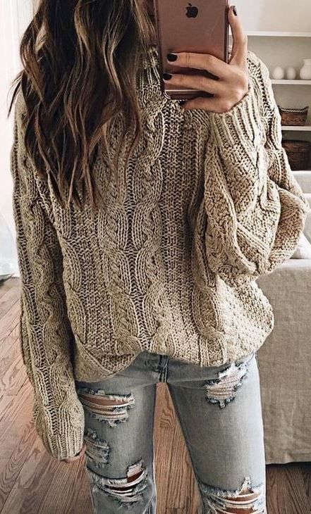 fall outfit inspiration : knit sweater + rips