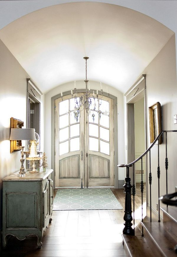 LOVE the general style of this entryway
