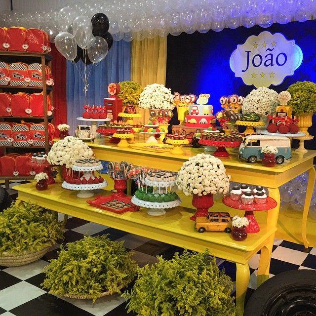 Festa linda!!!! Carros Vintage com muuuuito carinho, para João❤️❤️❤️ #carros #carrosvintage #festacarros #joao3anos #latelierfestas #lateliercriacoes