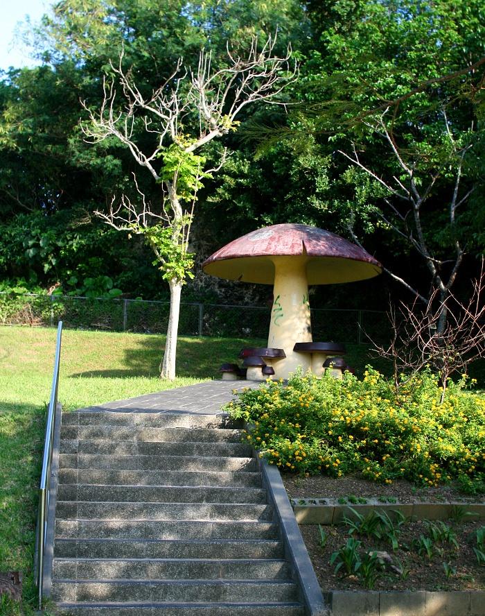 沖縄・楚辺東(そべひがし)公園
