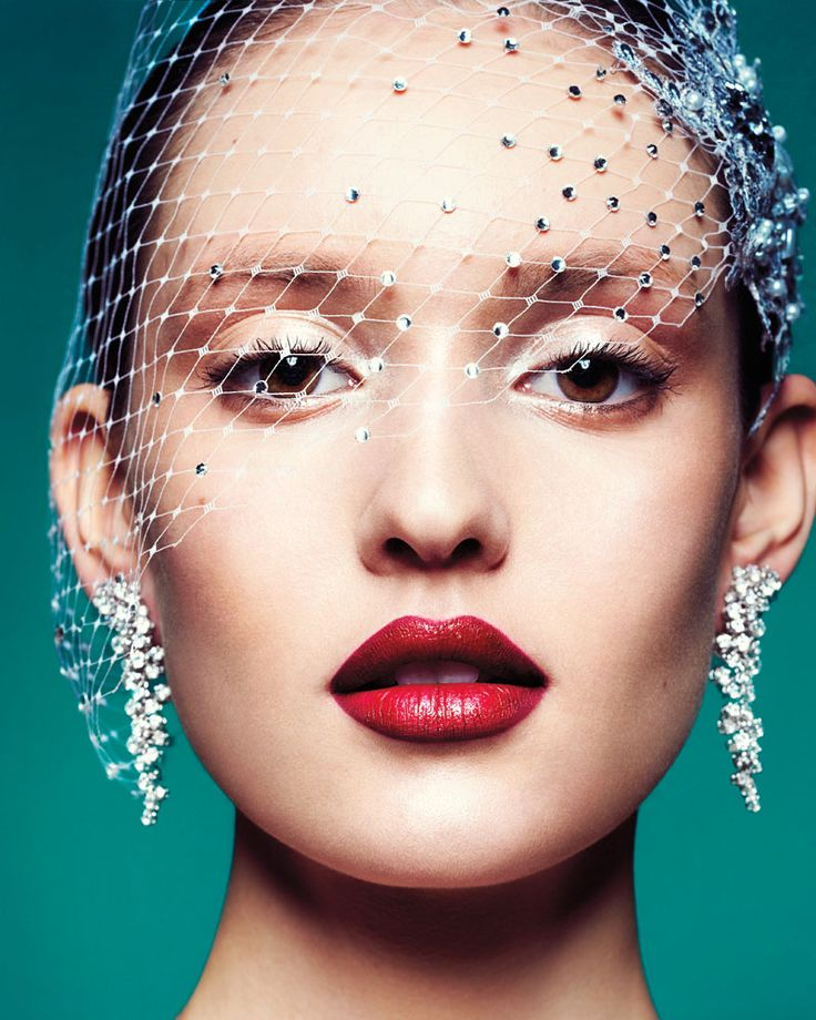 Essential products and tips for putting together a luxe and effortlessly elegant beauty look.