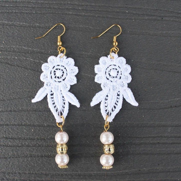 DIY lace earrings l darby smart  (Would be super cute for Valentine's Day!) <3
