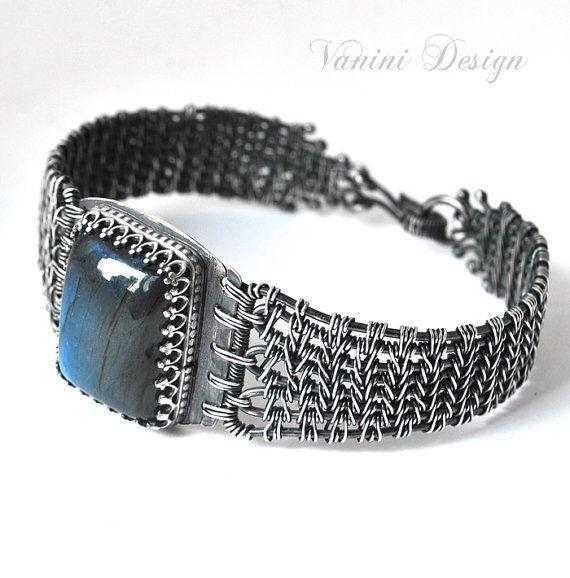 Ocean eye Fine silver and Madagascar Blue labradorite by vanini