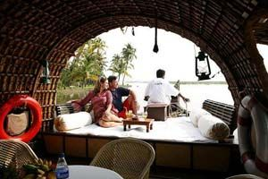 SCINTILLATING KERALA: - Book tour package to Kerala with BigBreaks.com, Enjoy holiday packages to Kerala at best rates and quality services.