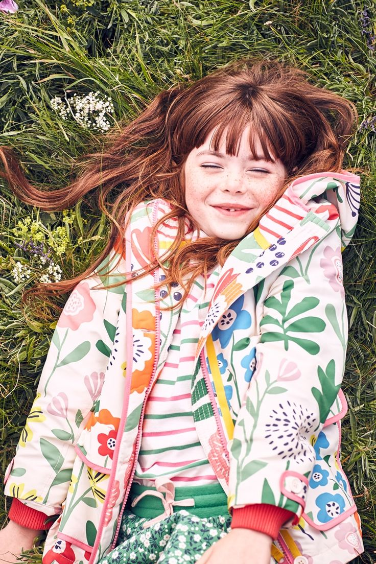 Our bright prints are fun to wear and practical too. This lightweight anorak with a jersey lining keeps you dry during unexpected showers. Pack it for picnics and stuff those pockets full of tasty treats. And there's no need to avoid splashing around in muddy puddles – you can pop it in the wash afterwards.