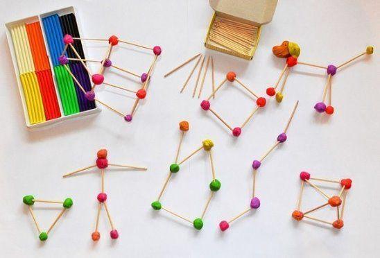 Мозаика из пластилина и зубочисток. Материал: - пластилин (подойдет уже ранее использованный, в котором намешаны разные цвета) - зубочистки Ход работы: Всё очень просто - катаем шарики и скрепляем их зубочистками. Играем в несколько подходов - строим геометрические фигуры (круг, квадрат, звезда, многоугольник, ровные и ломаные линии), потом плоские предметы (елочки, лодочки, цветы, солнышко), дальше переходим к объему (домики, пирамидки, человечки, животные).