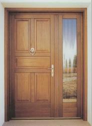 Συνδυασμός κατασκευής εξώθυρας με πλαϊνά σταθερά ξύλινα πλαίσια (με τζάμι ή ταμπλά), για ειδικές διαστάσεις που δεν καλύπτονται από ένα ενιαίο ανοιγόμ...
