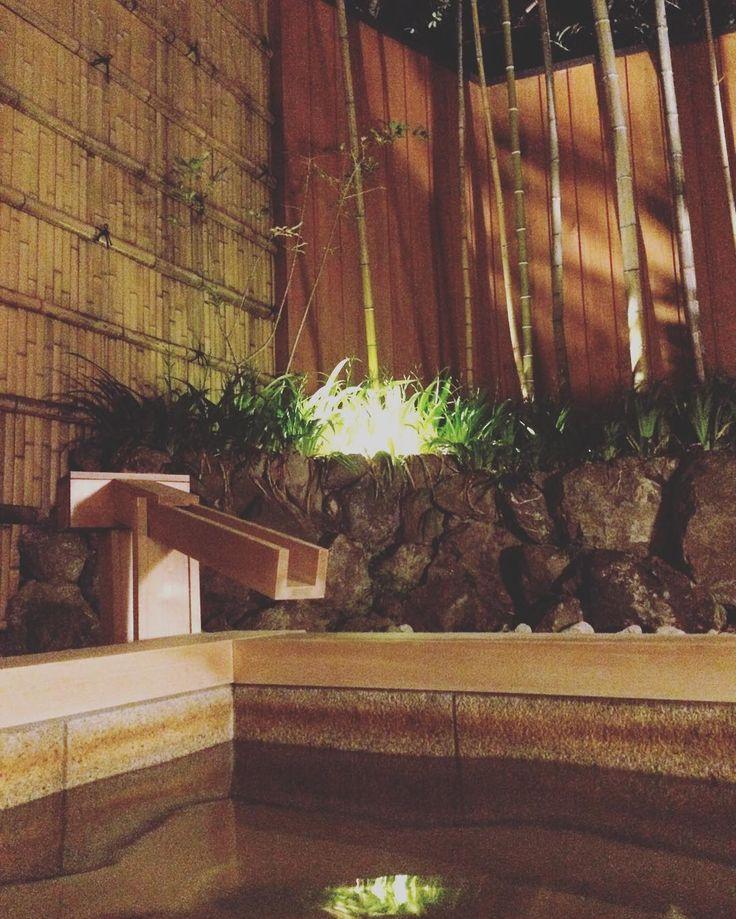 After a great kaiseki dinner the perfect activity (passivity): an open air onsen in Suiran hotel! #jokuti_japan #suiran #onsen #japan #foodie #hotbath #bath #hinoki #hotspring # #kyoto #arashiyama #luxury # # #thatsdarling #onlyinjapan #twitter #kaiseki #termalfurdo #furdo #mik #ikozosseg #travel #traveling #reise #reisen #utazas by jokuti