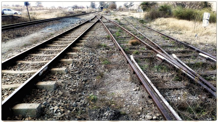 https://flic.kr/p/Xm3rRG | On the Rails | The tracks coming into, or leaving, Magaliesburg railway station.