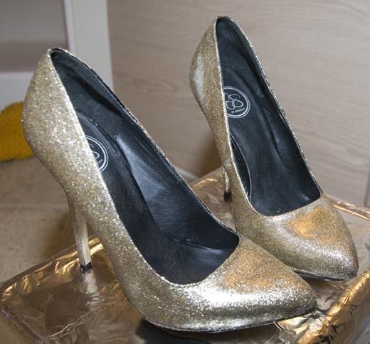 How to use Mod Podge to Glitter your shoes