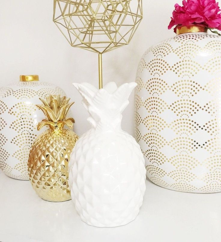 Even The Gold Fan Pattern On Vases Make Us Think Of Their Cute Pineapple