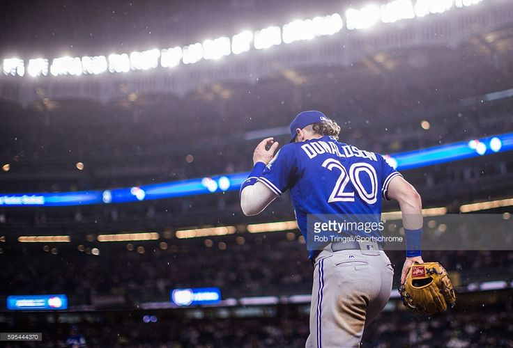 Josh Donaldson #20 of the Toronto Blue Jays takes the field during the game against the New York Yankees at Yankee Stadium on August 16, 2016 in the Bronx borough of New York City.