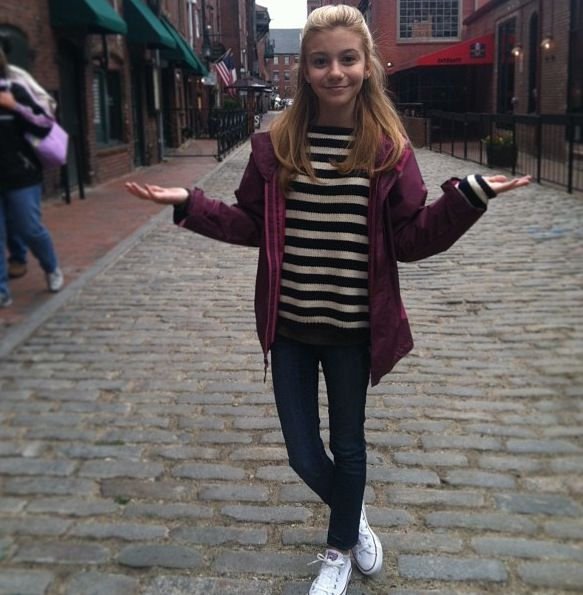 g hannelius with cute outfit