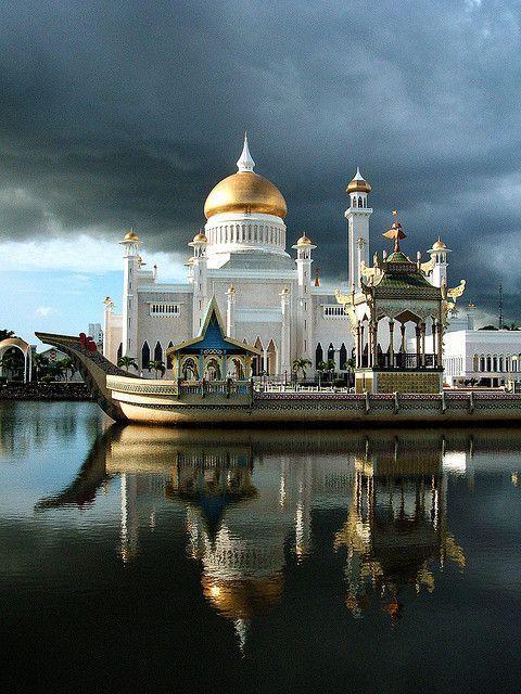 Sultan-Omar-Ali-Saifuddin-Moschee