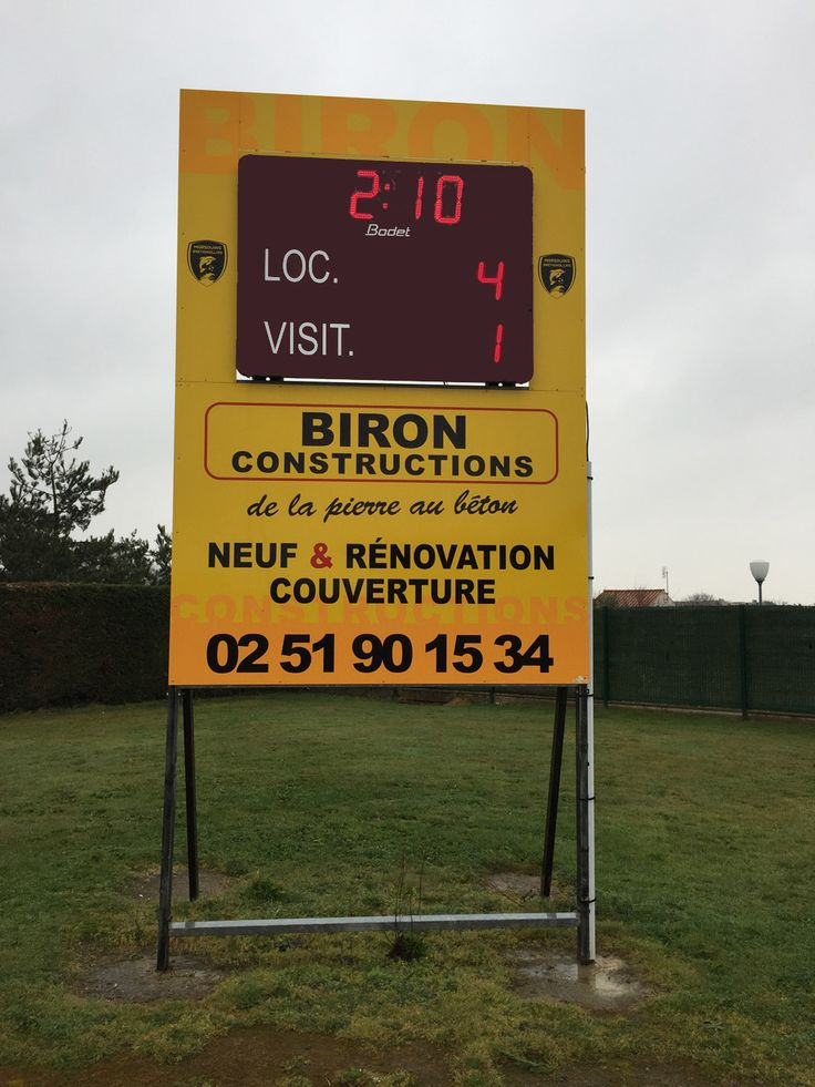 Tableau d'affichage sportif Bodet BT2025 installé à Bretignolles-sur-mer (Vendée) pour le club de football évoluant en DSR.