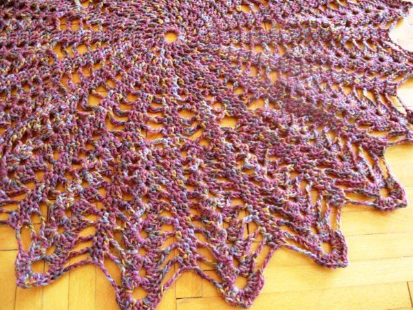 Horgolt gyapjú szőnyeg