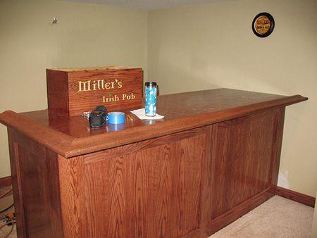 https://i.pinimg.com/736x/ff/ed/77/ffed77d9dd8f9d69a0aed09fe0c074d4--indoor-bar-bar-home.jpg