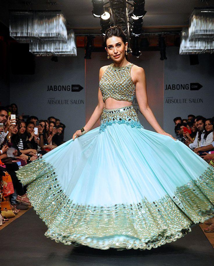 Bollywood, Tollywood & Más: Karishma Mumbai Lakme Fashion Week 2014