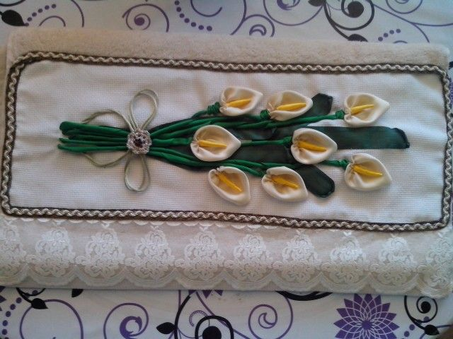 Towel with ribbons flowes!