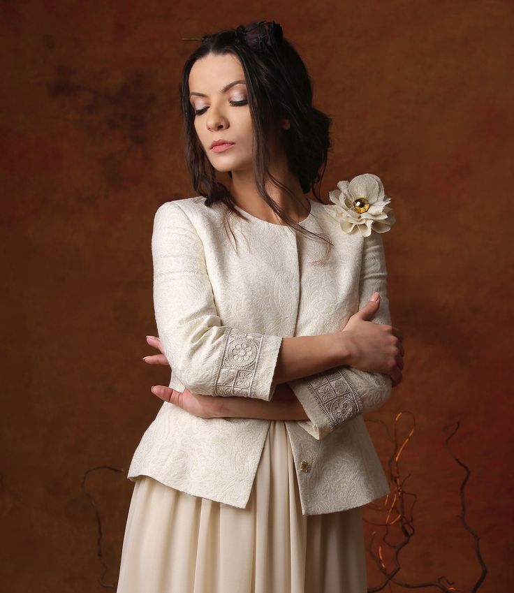 Romantic Summer SUMMER 17 |YOKKO #jacket #ivory #cotton #gold #elegant #fashion #yokko #style #women #summer17