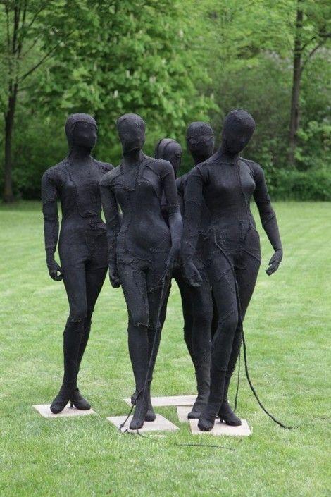 Magdalena Abakanowicz, Manekiny on ArtStack #magdalena-abakanowicz #art