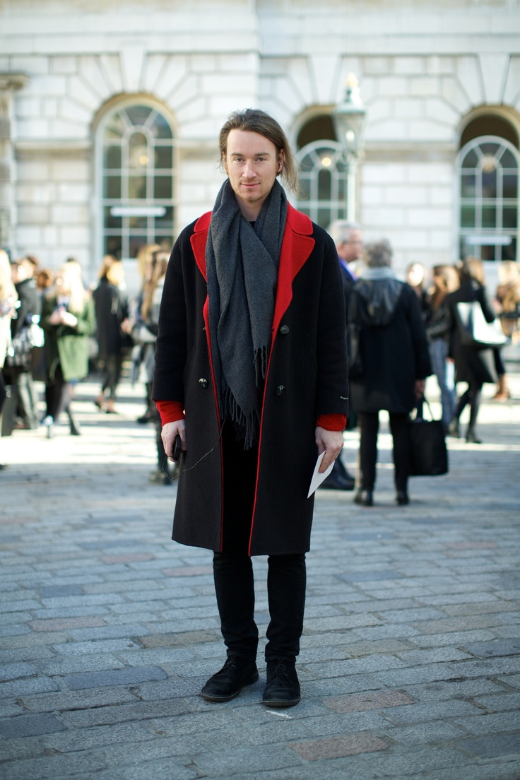 Street style at london fashion week photographs by marcus Theophilus london fashion style