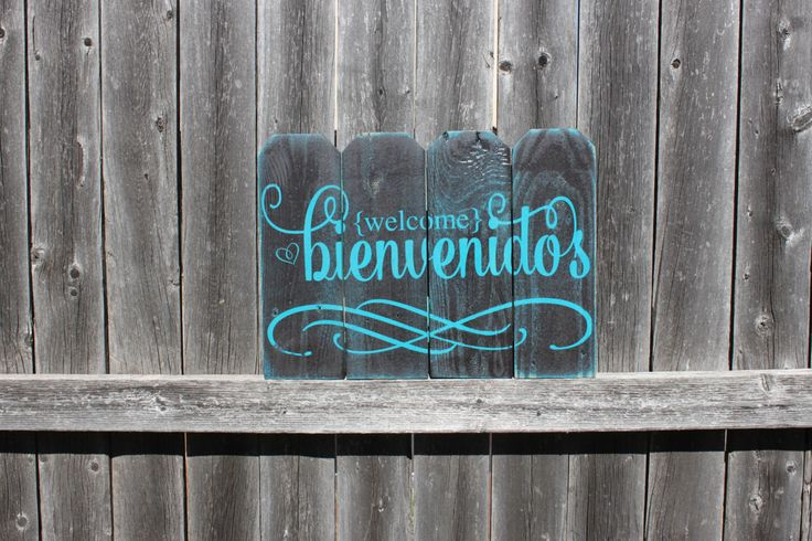 Bienvenidos Picket Fence Sign, Welcome Sign, Spanish Welcome Sign, Fence Sign, Rustic Sign, Pallet Style Sign, Handmade Wooden Sign, Home by TorreysTouches on Etsy https://www.etsy.com/listing/208395301/bienvenidos-picket-fence-sign-welcome