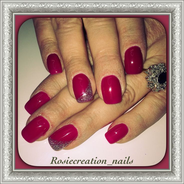 Raspberry gel nails