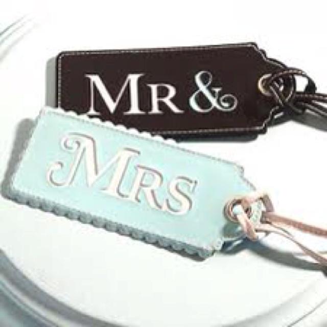 .: Destinations Weddings, Weddings Favors, Vintage Weddings, Engagement Gifts, Vintage Travel Weddings, Cute Idea, Honeymoons, Gifts Idea, Luggage Tags