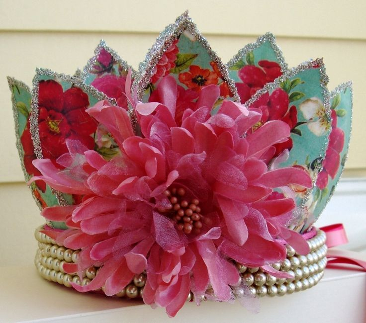 paper crowns for kids' Christmas
