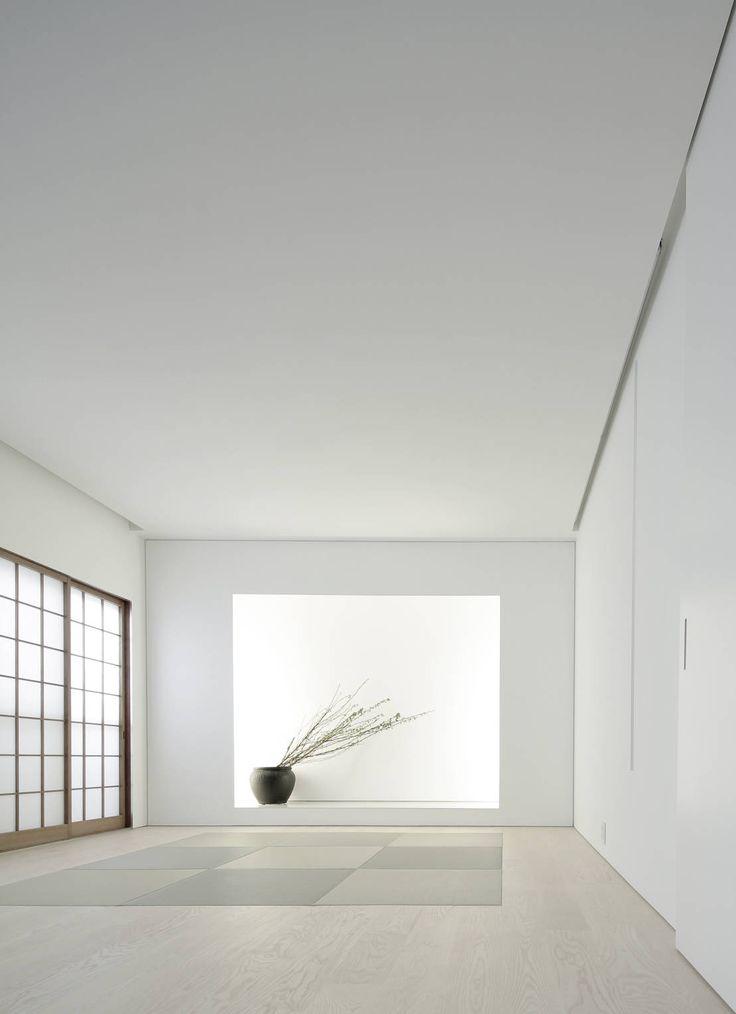 Jun Murata | JAM の ミニマルな リビングルーム House for Installation
