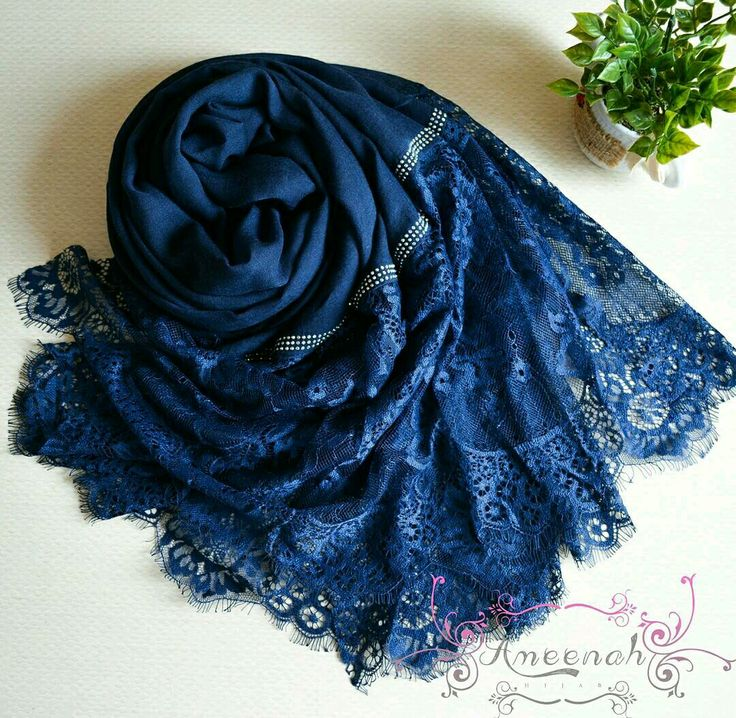 🍄Magdalena Lace Scarf (el blue) 🍄Material : Polyester+lace Exclusive Import 🍄Ukuran : 190x90 cm 🍄IDR 150.000  For order Line@ameenah_hijab BBM 598B233D Shipping : Bandung