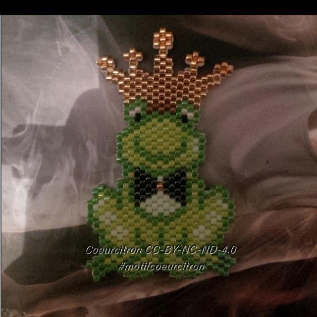 Je repartage ma grenouille avec la watermark, puisque visiblement pas de watermark=copie #grenouille #frog #princecharmant #princecharming #fairytale #contedefees #miyuki #jenfiledesperlesetjassume #perlesaddict #perlesaddictanonymes #perlesandco #motifcoeurcitron #diy #handmade #brickstitch