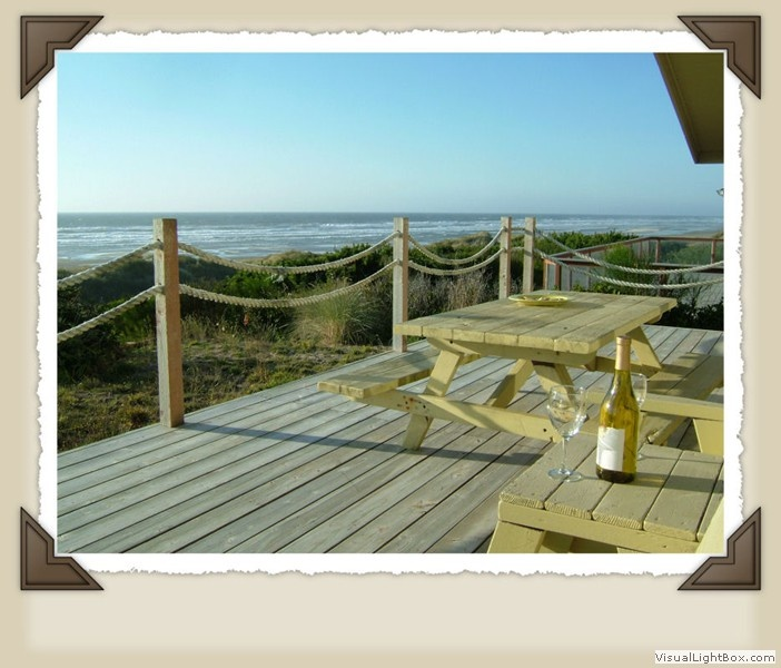 Seaweed~ a stunning contemporary beach front home. Florence, OR